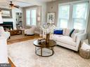 Bright open floorplan, refinished original floors - 900 N FREDERICK ST, ARLINGTON