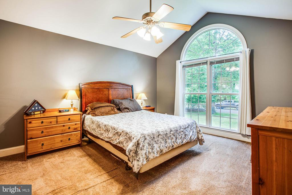 Master Bedroom - 241 MARDAY DR, RUTHER GLEN
