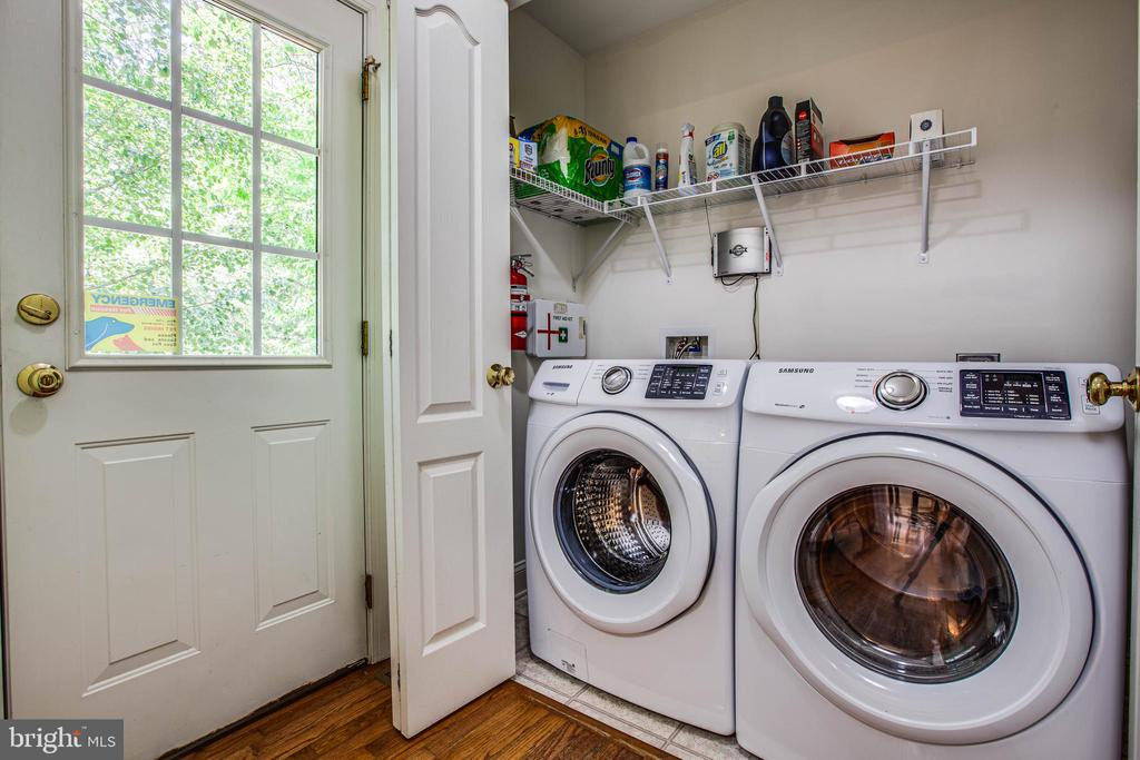 Laundry - 241 MARDAY DR, RUTHER GLEN