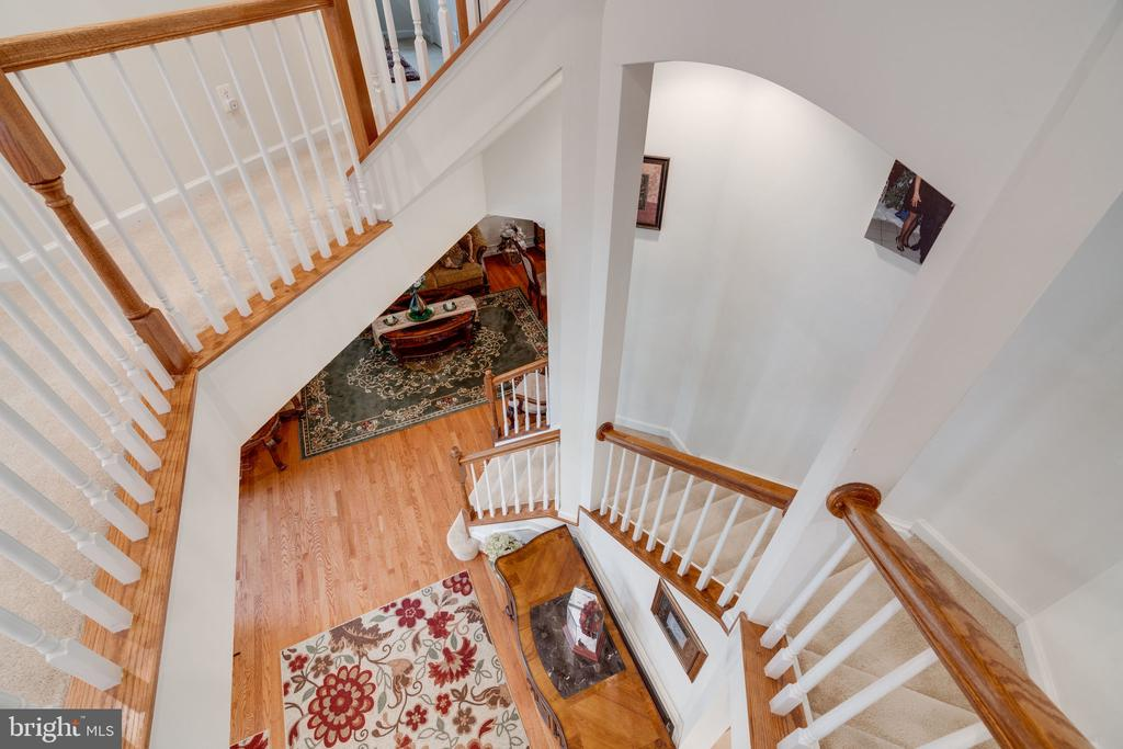 Up the winding stairs to 4th level in-law suite! - 15672 ALTOMARE TRACE WAY, WOODBRIDGE