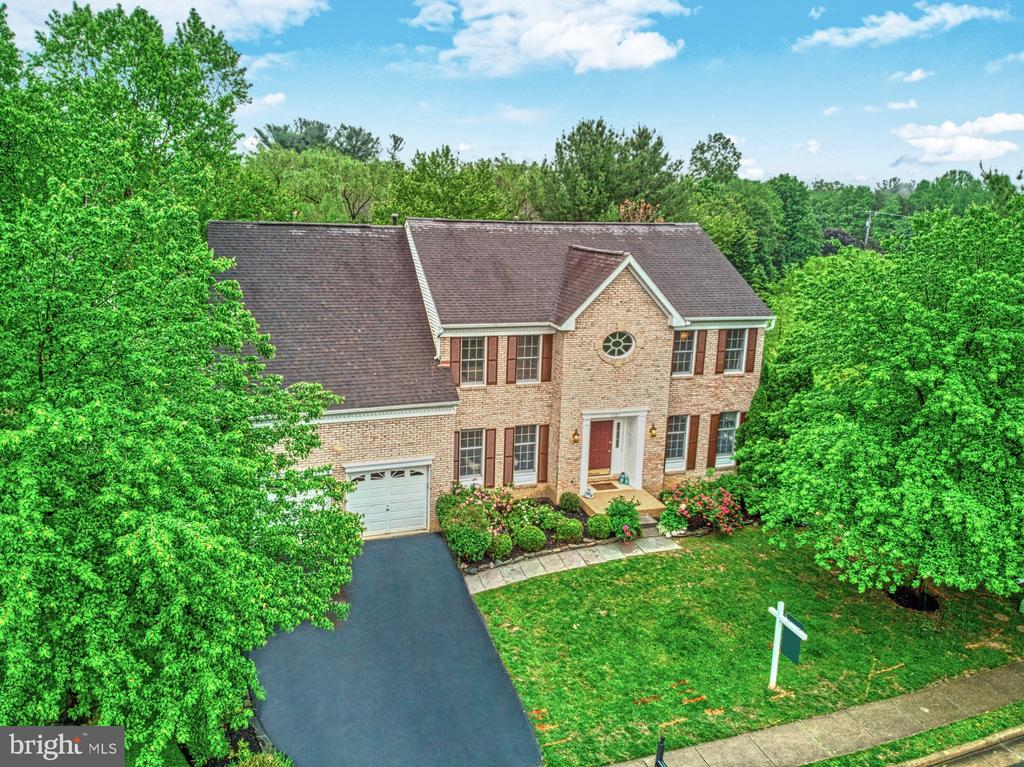 Surrounded by Lush Landscaping - 1321 GATESMEADOW WAY, RESTON