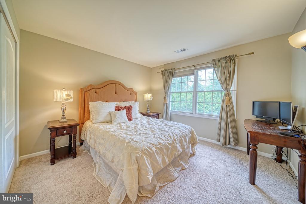 Bedroom #3 connects to Jack and Jill Bath - 1321 GATESMEADOW WAY, RESTON
