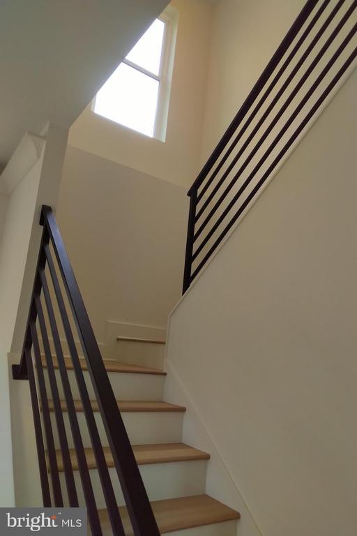 Stairway with custom metal railing - 2118 N CAMERON ST, ARLINGTON