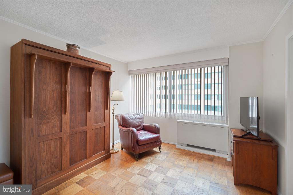 Murphy bed if you want to make it a bedroom - 5500 FRIENDSHIP BLVD #1616N, CHEVY CHASE