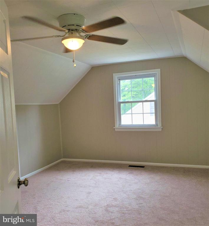 Upstairs bedroom - 4510 TIMBERY DR, JEFFERSON