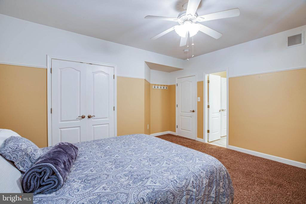 Huge Lower level 5th bedroom (NTC) - 3 MOUNT ARARAT LN, STAFFORD