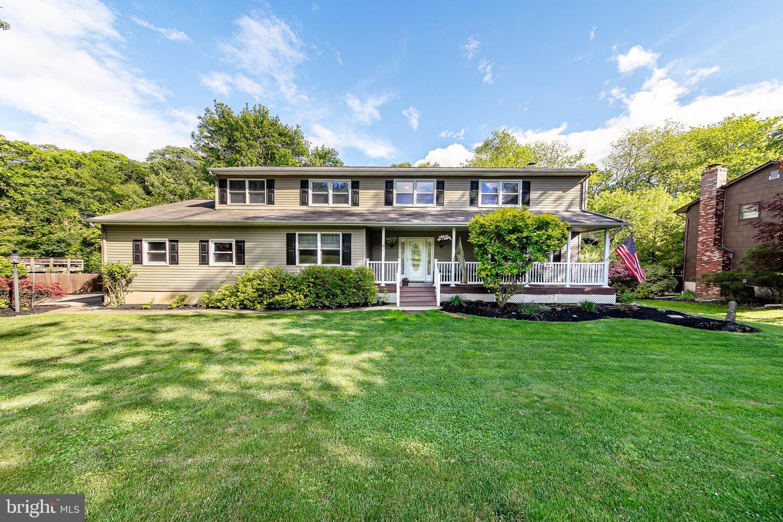 Single Family Homes 为 销售 在 尤因, 新泽西州 08628 美国