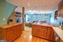 Kitchen - 339 LAKE SERENE DR, WINCHESTER