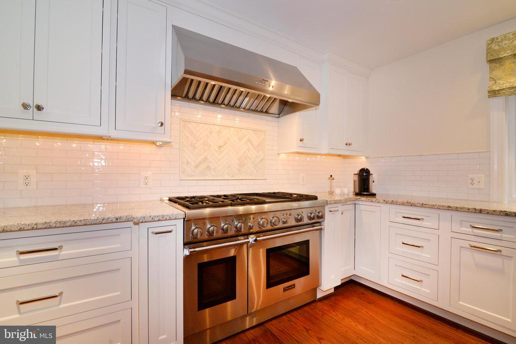 Kitchen - 20407 ROSEMALLOW CT, POTOMAC FALLS