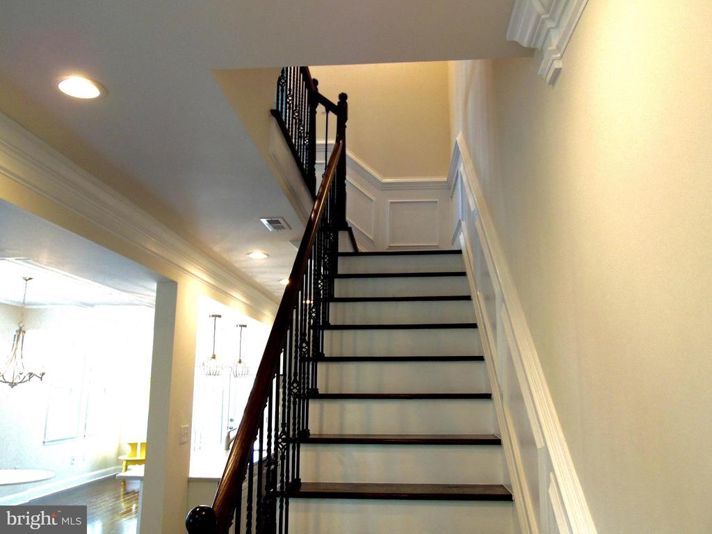 stairs leading to the 2nd level - 5710 4TH ST NW, WASHINGTON