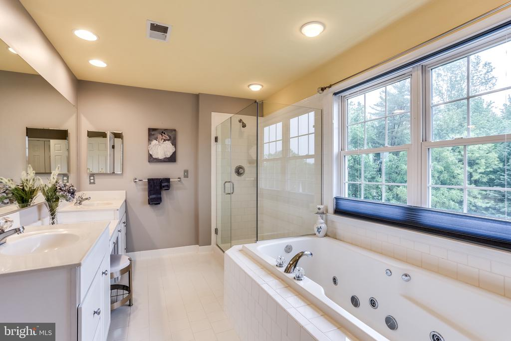 Owner's Bath - 2112 CHAUCER WAY, WOODSTOCK
