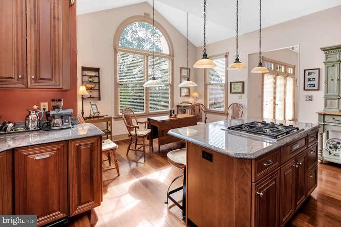 Sunrise views for the large kitchen window. - 23158 CANNON RIDGE LN, MIDDLEBURG