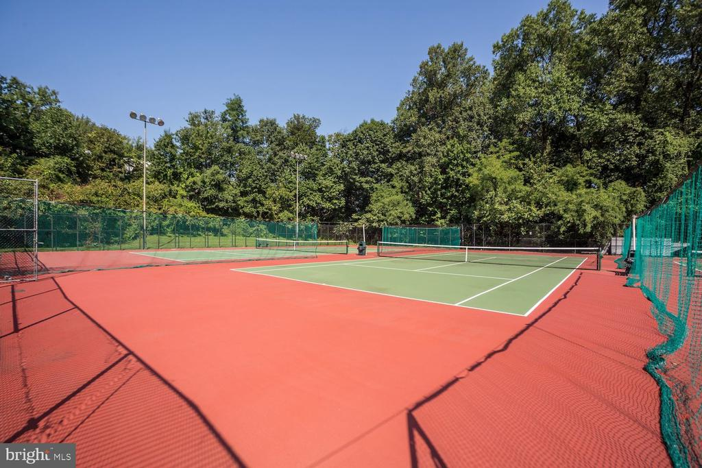 Year round tennis courts. - 2230 GEORGE C MARSHALL DR #827, FALLS CHURCH