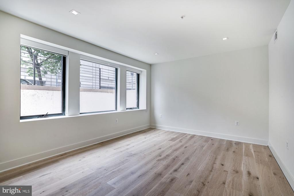 Nicely sized bedroom - 801 N NW #T-04, WASHINGTON