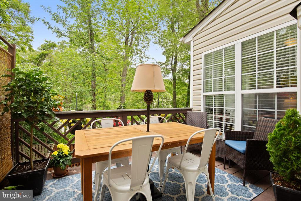 Back Deck Oasis with Private Wooded View. - 1123 AUGUST DR, ANNAPOLIS
