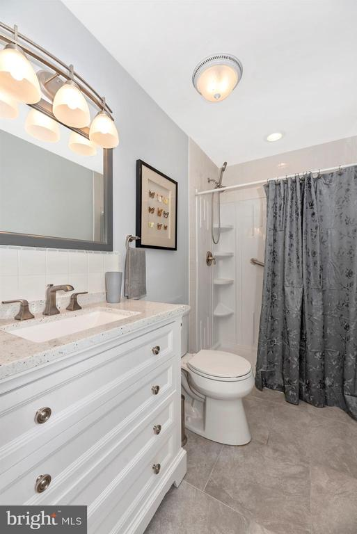 Main Level Full Bath - attached to Bedroom 1 - 3001 GILLIS FALLS RD, MOUNT AIRY
