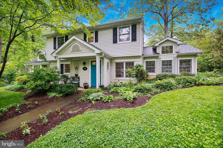 Single Family Homes για την Πώληση στο Garrett Park, Μεριλαντ 20896 Ηνωμένες Πολιτείες
