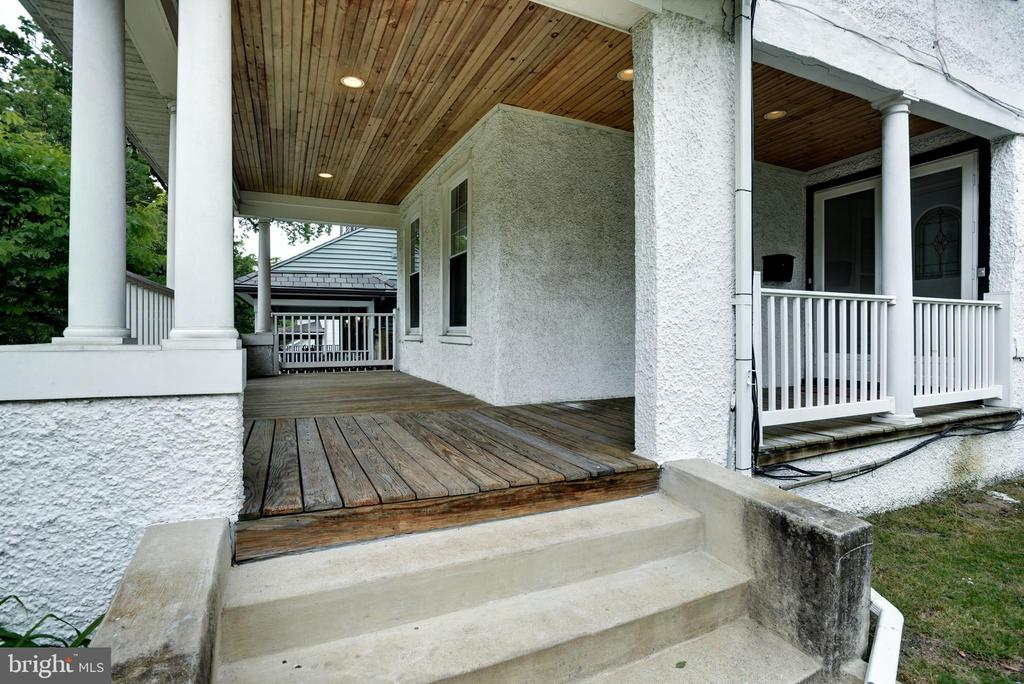 Front Porch with Recessed Lighting - 1239 LAWRENCE ST NE, WASHINGTON