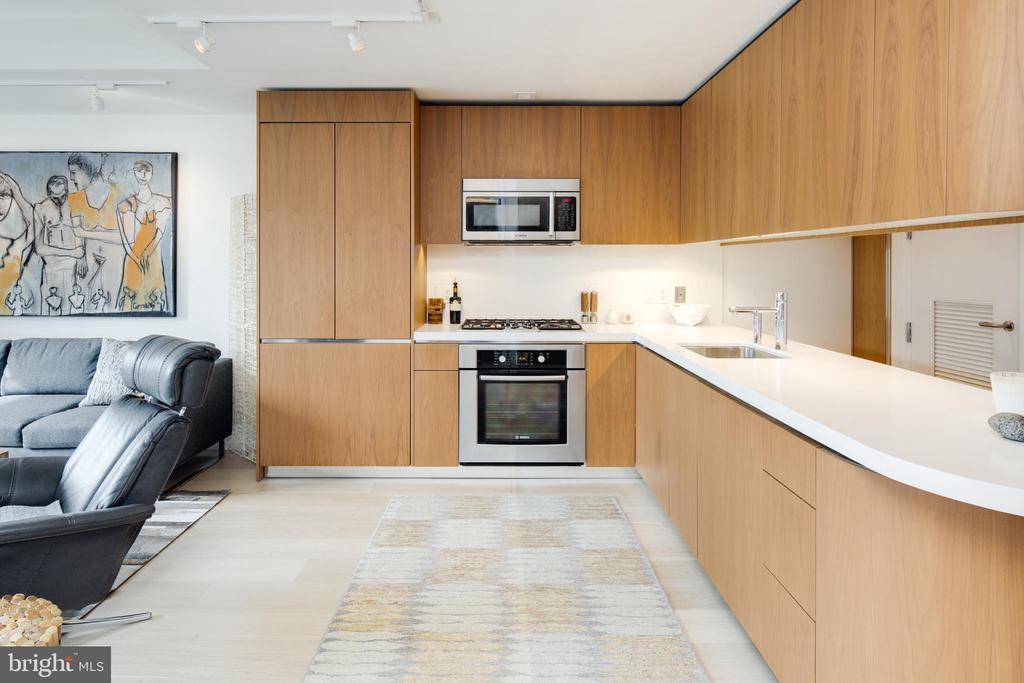 Luxury Appliances - 920 I ST NW #1007, WASHINGTON