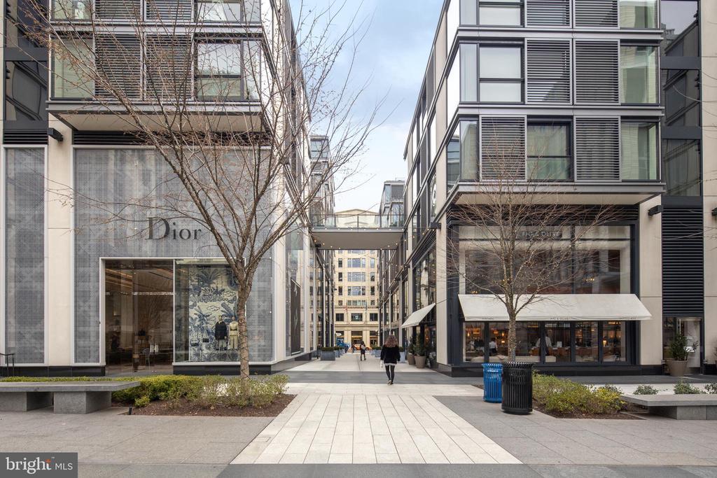 City Center Courtyard - 920 I ST NW #1007, WASHINGTON