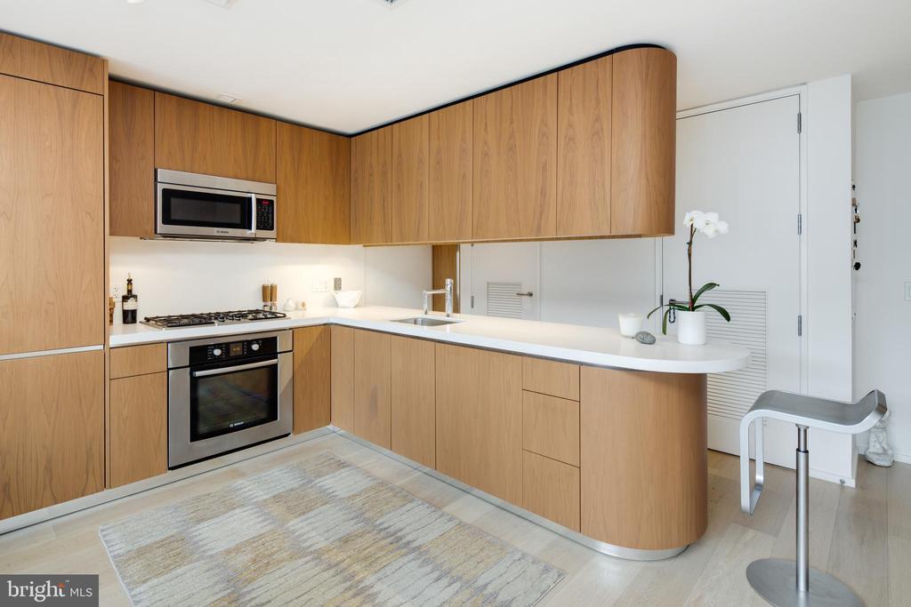 Kitchen - 920 I ST NW #1007, WASHINGTON