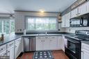 Newer appliances and tons of counter space. - 14 STEEPLECHASE RD, FREDERICKSBURG