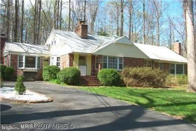 - 10408 BURKE LAKE RD, FAIRFAX STATION