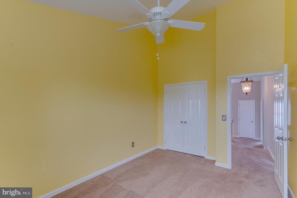 3rd Bedroom  Plenty of Space! - 5266 BALLYCASTLE CIR, ALEXANDRIA