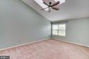Master Bedroom Suite! 2 Massive Skylights! - 5266 BALLYCASTLE CIR, ALEXANDRIA