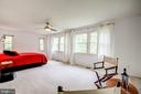Expansive master bedroom with plenty of windows - 11012 BURYWOOD LN, RESTON