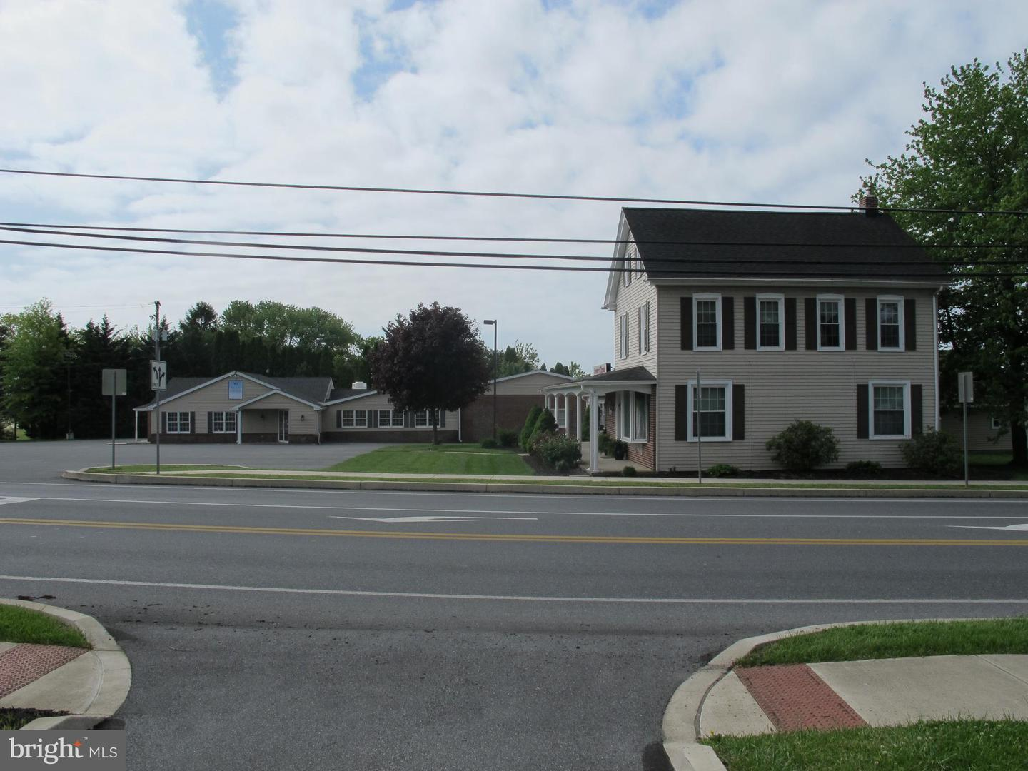 Additional photo for property listing at  Manheim, Pennsylvania 17545 United States