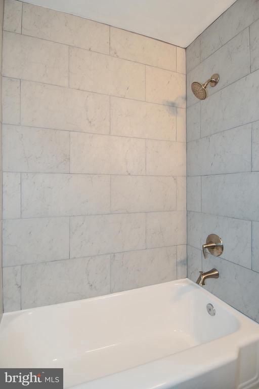 Renovated Bathroom - 20 BASS CIR SE, WASHINGTON