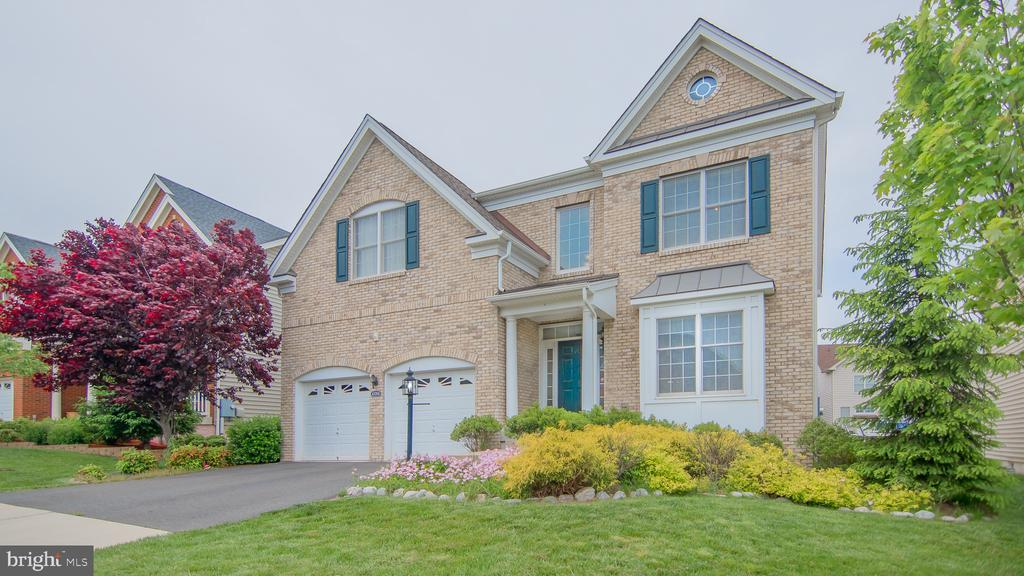 - 43268 BARNSTEAD DR, ASHBURN