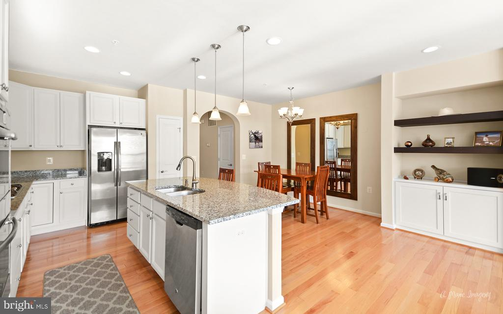 Huge, open gourmet kitchen with ss appliances - 3029 STONERS FORD WAY, FREDERICK