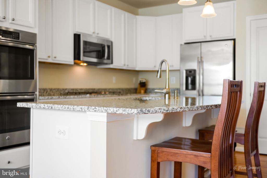 Upgraded cabinets and double ovens! - 3029 STONERS FORD WAY, FREDERICK