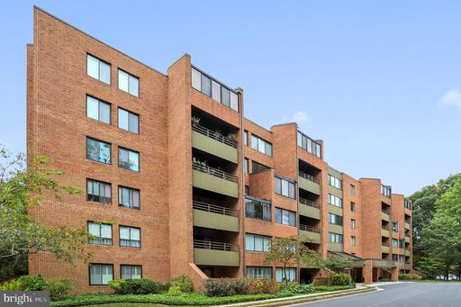 3 SOUTHERLY CT #404