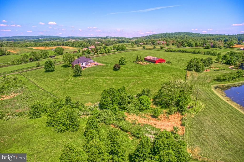 - 16046 HAMILTON STATION RD, WATERFORD