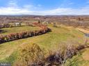 Long tree lined drive - 19745 SHELBURNE GLEBE RD, PURCELLVILLE