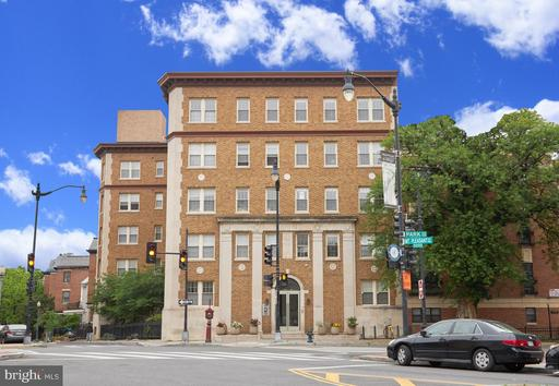 1673 PARK RD NW #201