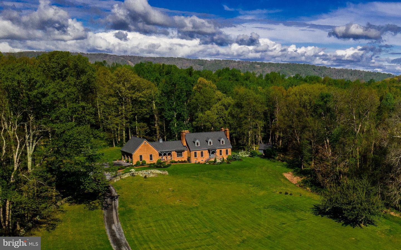 Single Family Homes 為 出售 在 Upperville, 弗吉尼亞州 20184 美國