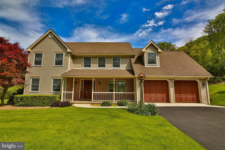Single Family Homes pour l Vente à Center Valley, Pennsylvanie 18034 États-Unis