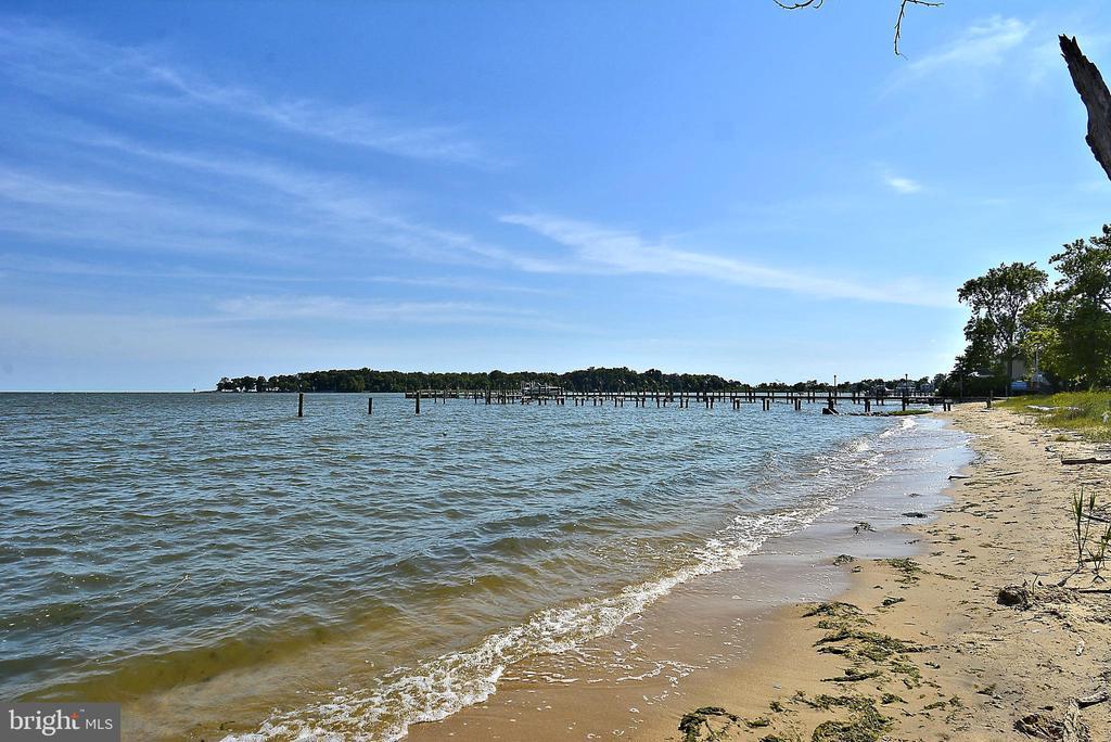 Sandy shored community beach - 3428 COHASSET AVE, ANNAPOLIS