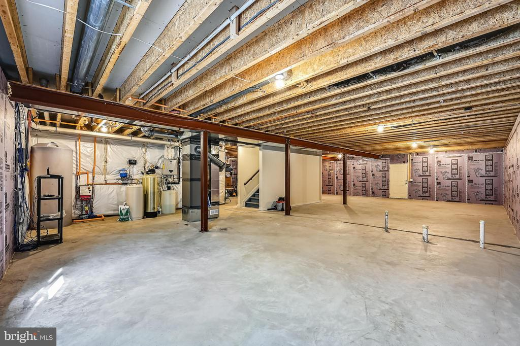 Full basement with walk up  and rough ins - 3428 COHASSET AVE, ANNAPOLIS