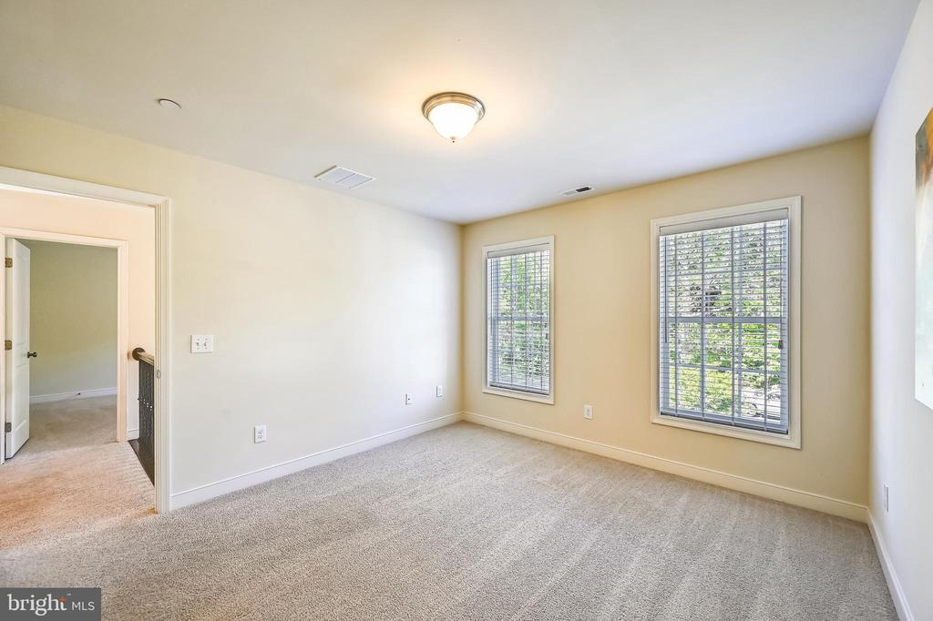 Third upper level bedroom - 3428 COHASSET AVE, ANNAPOLIS