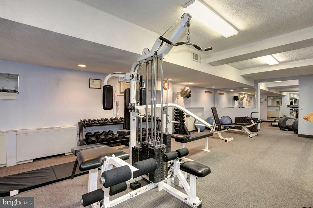 Fitness ctr is just elevator ride away from home - 10201 GROSVENOR PL #1701, NORTH BETHESDA