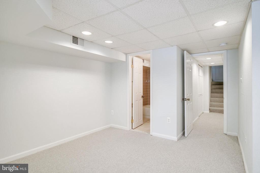 Lower level can be used for den or office. - 116 S PITT ST, ALEXANDRIA
