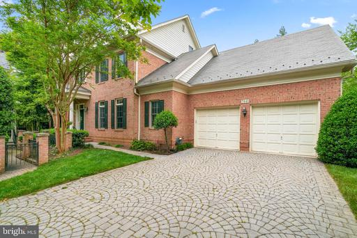 7941 SANDALFOOT DR