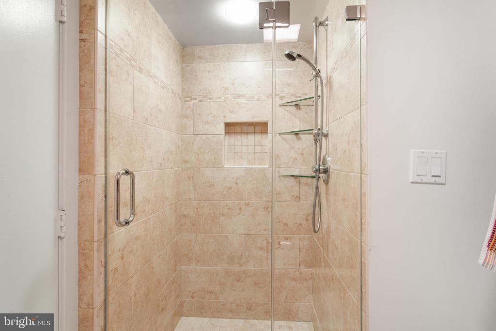 Master Bath - 1099 22ND ST NW #608, WASHINGTON