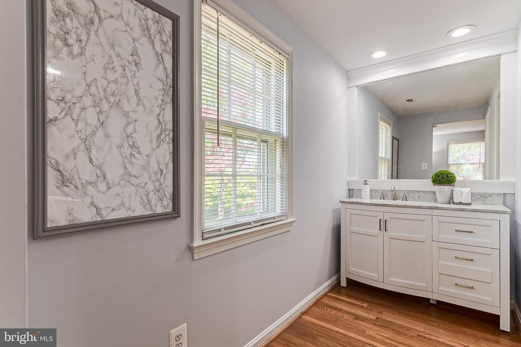 Renovated Master bath - 19029 THRESHING PL, GAITHERSBURG
