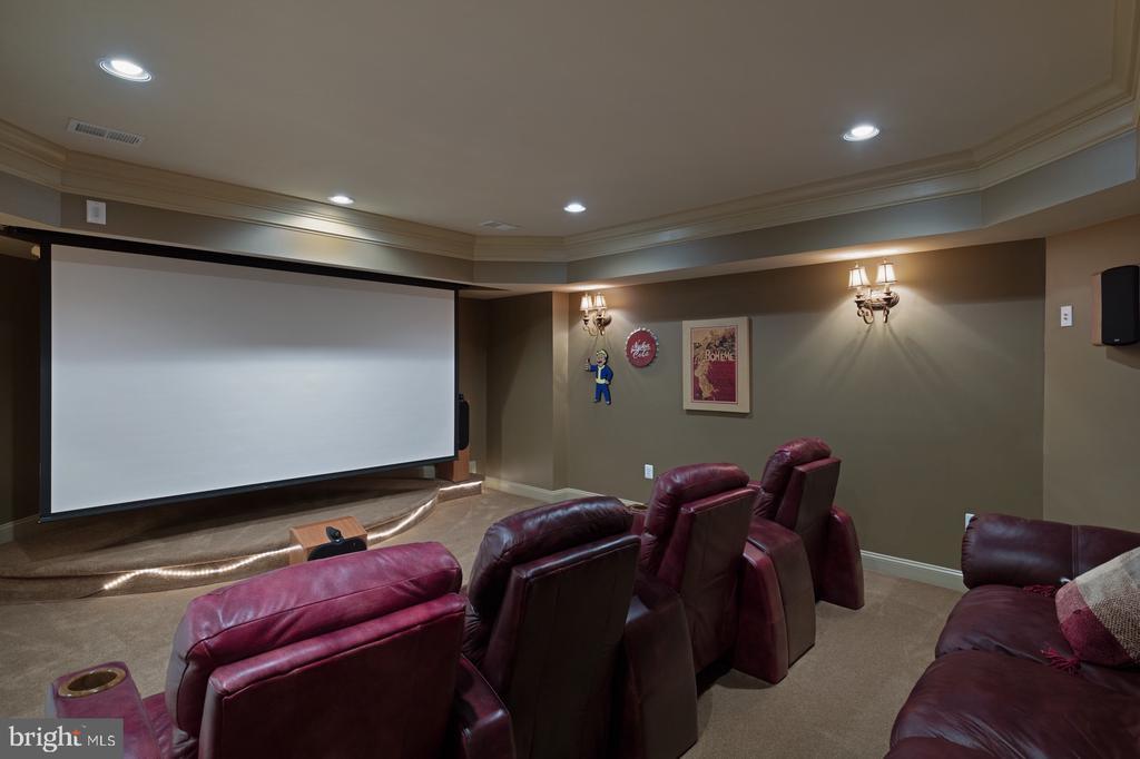 Home Theater - 3722 HIGHLAND PL, FAIRFAX